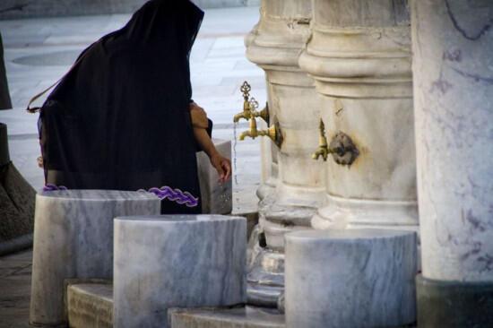 Saran Ilmuwan Barat Agar Wudu Umat Islam Lebih Higienis di Tengah Pandemi Corona