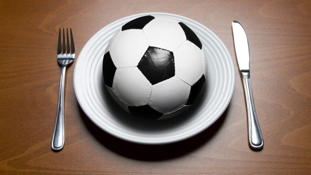 Efek Makanan dan Sepatu Olahraga Futsal/Sepakbola dari Pandangan Kesehatan