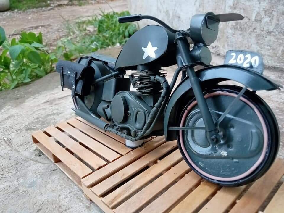 Buat Miniatur Motor Gede Dari Kaleng Bekas Minuman. Hasilnya Keren Gan!!!!