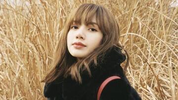 10 Penampilan Lisa Nampak Anggun dengan Busana Black