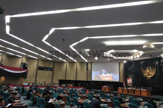 Masyarakat Dilarang Berkerumun, DPRD Justru Ngotot Gelar Pemilihan Wagub DKI