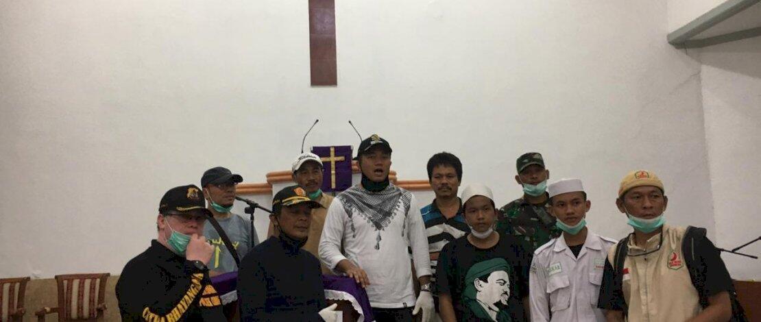Semprot Gereja di Tangerang dengan Disinfektan, FPI: Ini instruksi Habib Rizieq