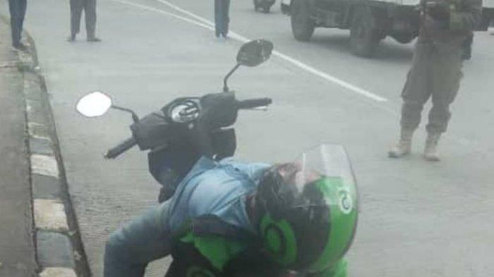 Kisah Ojol Bikin Panik Petugas di Lebak Bulus, Tergeletak di Motor dan Ternyata Tidur