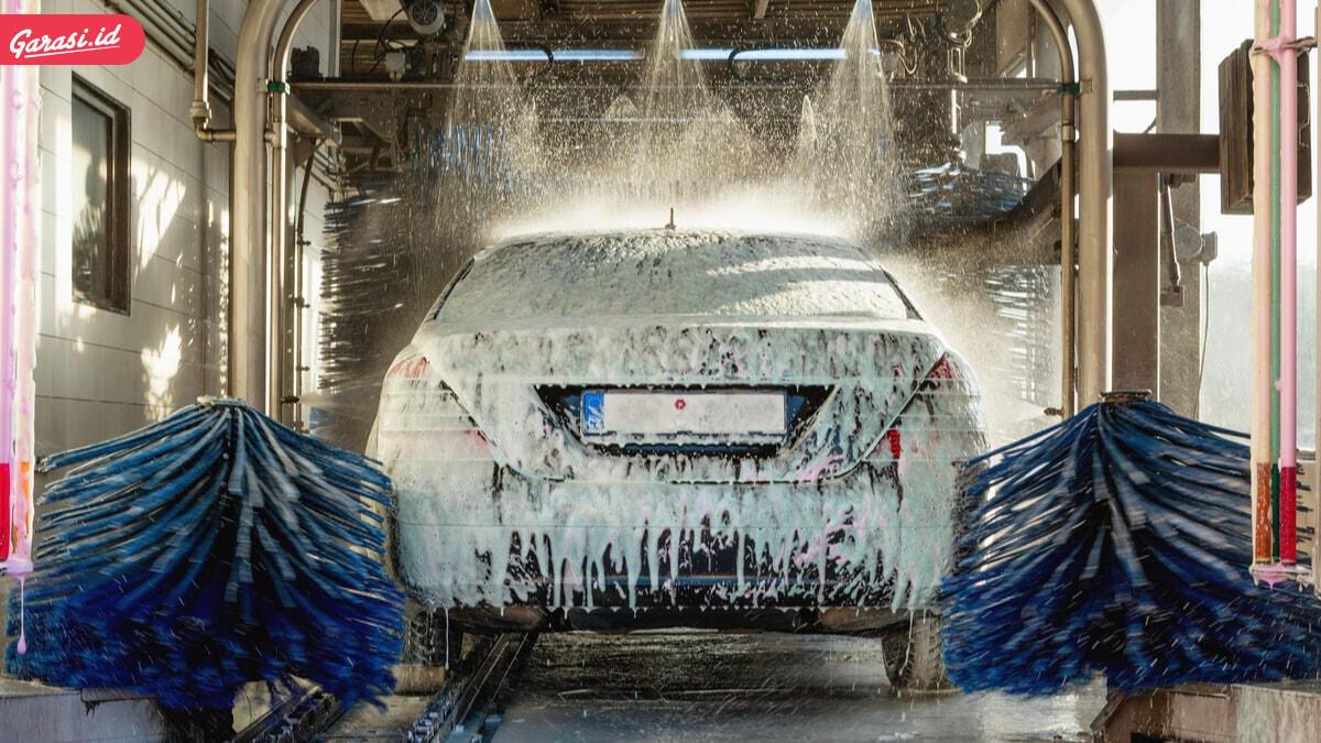 Panas dan Hujan Tidak Bisa Diprediksi, Waspada Timbul Jamur di Kaca Mobil