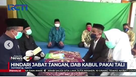 Mencegah Virus Covid-19, Ijab Kabul Ini Gunakan Tali Sebagai Ganti Jabat Tangan!