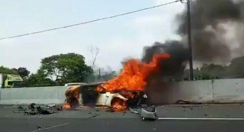Wakil Jaksa Agung Arminsyah Tewas, Mobilnya Terbakar di Tol Jagorawi