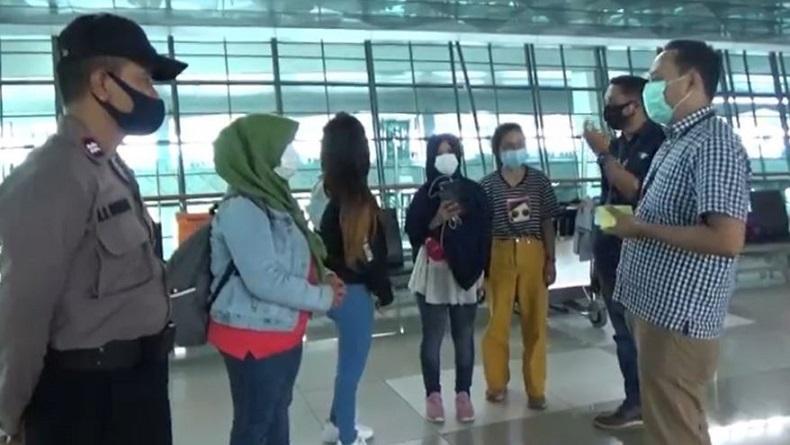 Larangan Mudik, TKI dari Hong Kong Telantar di Bandara Soetta Tak Bisa Pulang Kampung