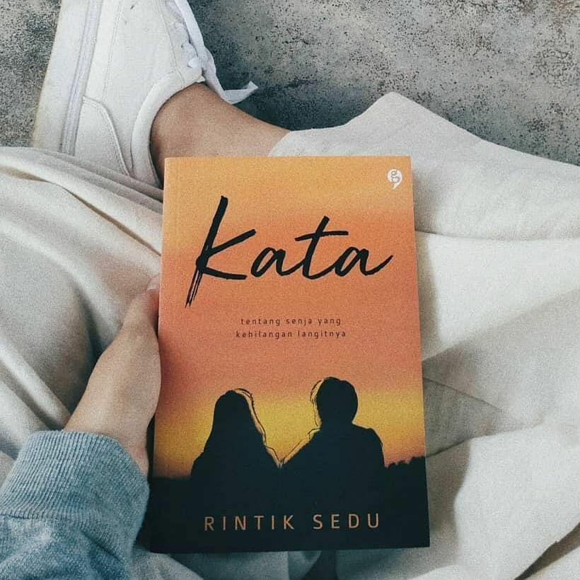 5 Rekomendasi Buku Yang Bisa Bikin Kamu Nyaman di Rumah Aja