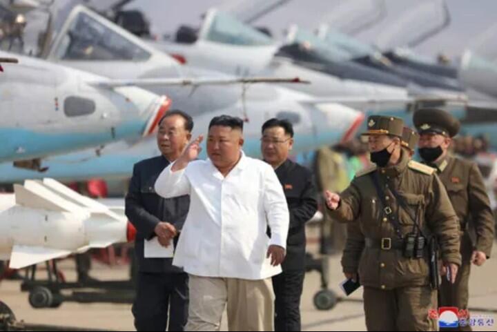 Sempat Diisukan Meninggal, Ini Sederet Bukti Kalau Kim Jong Un Masih Hidup