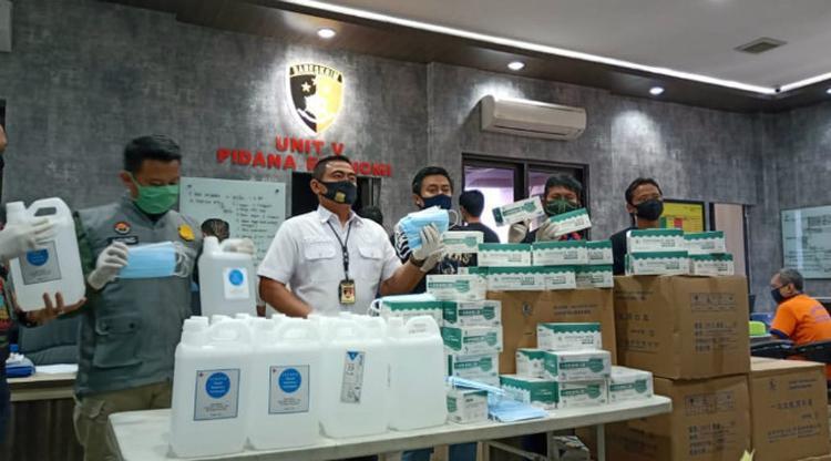 Polisi Surabaya Bongkar Kasus Masker Ilegal Asal China Beromzet hingga Rp 90 Juta