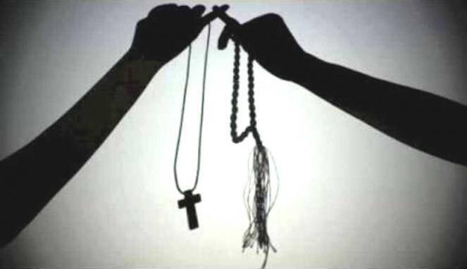 Aku Merelakanmu Saat Doa Kita Tak Lagi Menyatu