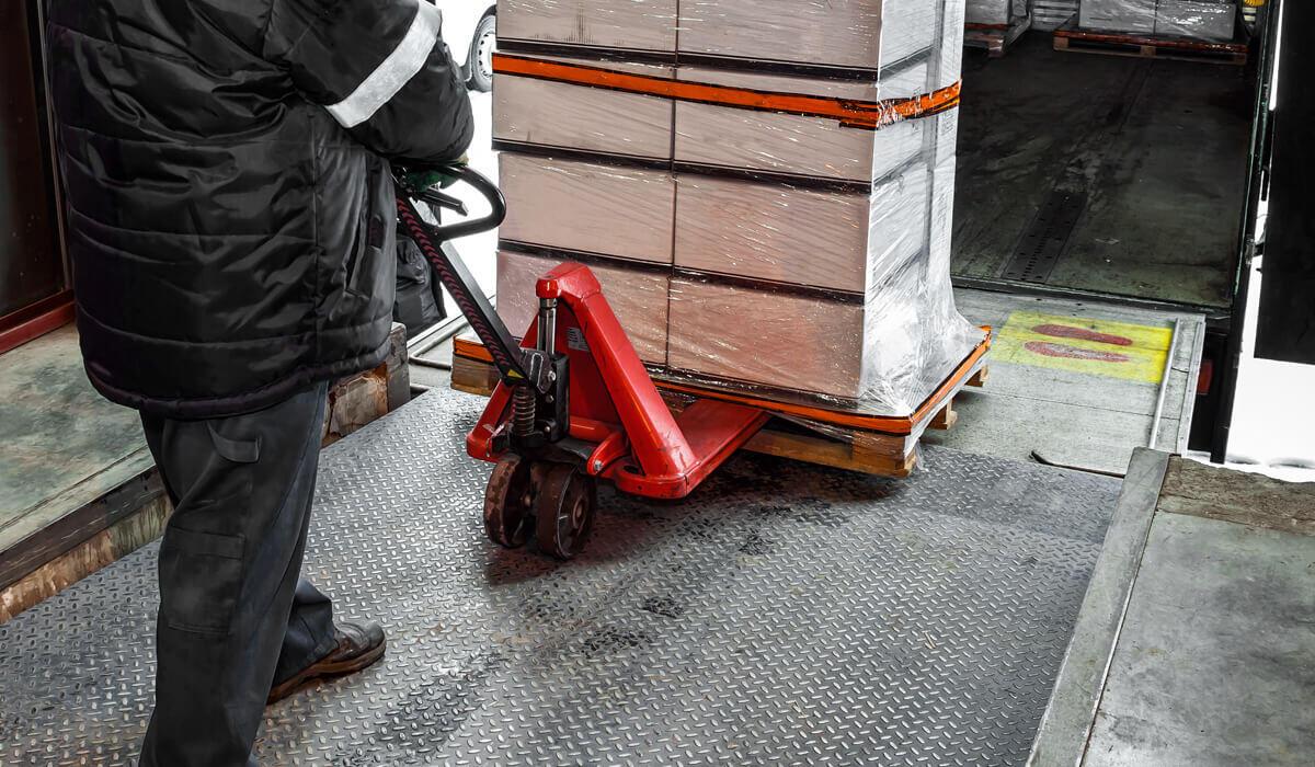 Faktor penentu harga kiriman paket barang, cargo