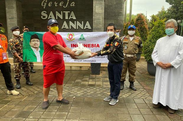 Gerakan Indonesia Peduli dan PSE Paroki Salurkan Bantuan di Duren Sawit
