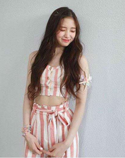 9 Fashion Style Ala Arin Oh My Girl, Simpel Nan Menawan!