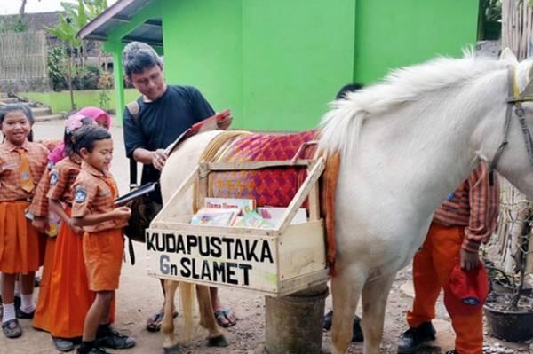 Atasi Corona, Pustaka Bergerak Bersama 10 Rumah Aman Edukasi Masyarakat