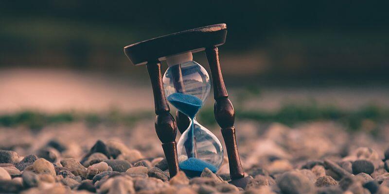 10 Hal Yang Membuat Waktumu Terbuang Sia-Sia