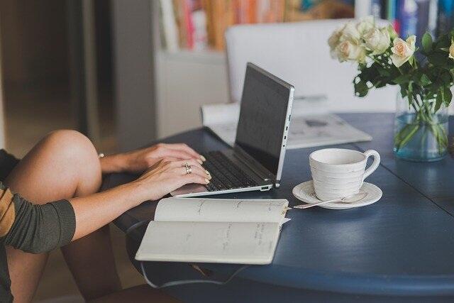 5 Alasan Unik Ini Bikin Orang Produktif Nulis. Poin 4 dan 5 Jangan Dicoba!