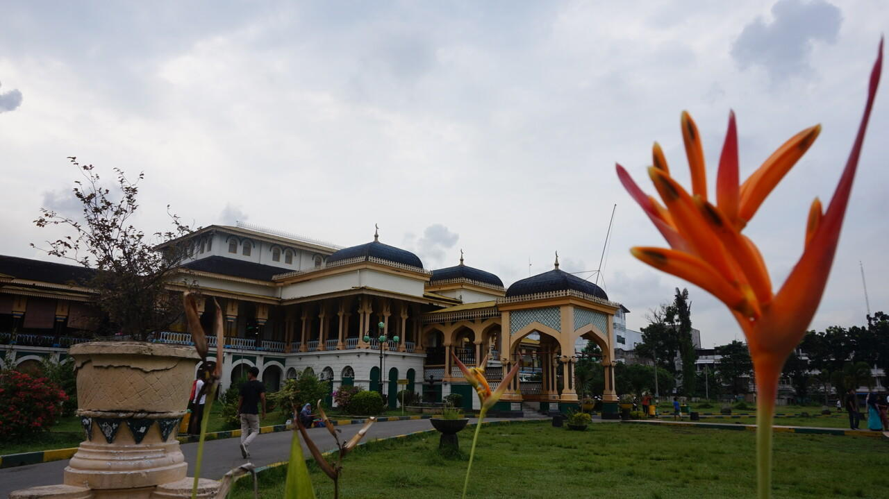 Istana Maimun dan Mansion ala Film Vampire 'Tjong a Fie' di Medan