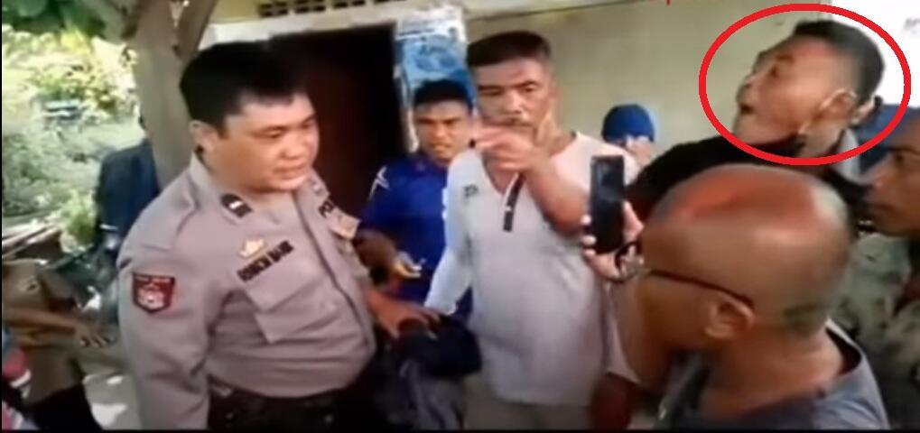 VIDEO VIRAL Preman Tantang Polisi Berkelahi