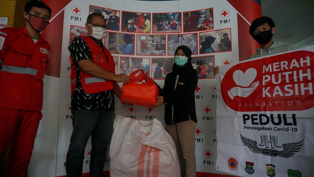 Hari Palang Merah Internasional, Kotret Salurkan Bantuan APD ke PMI Kota Tangerang