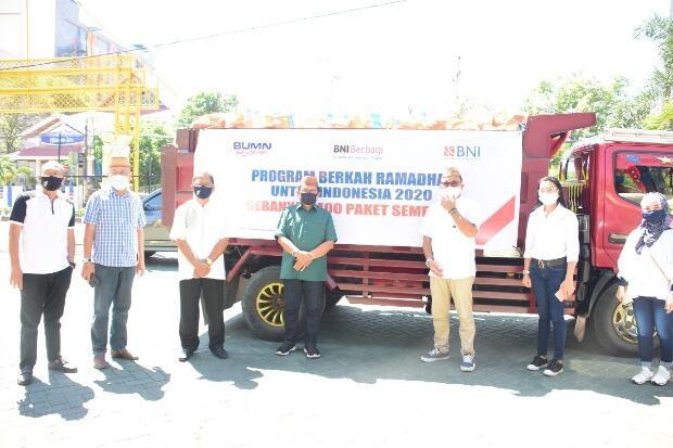 BNI Beri Bantuan 400 Paket Sembako ke Pemkot