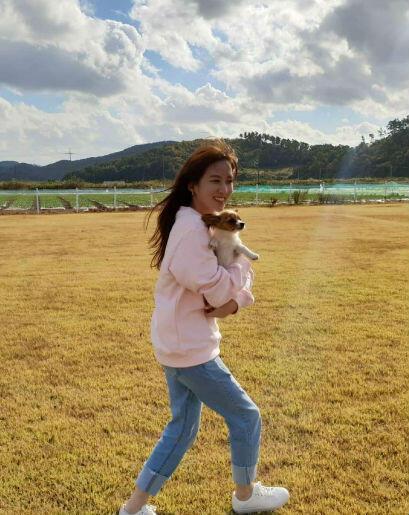 OOTD Park Eun Bin, Pemeran Drama Hits Stove League Yang Kasual & Chic