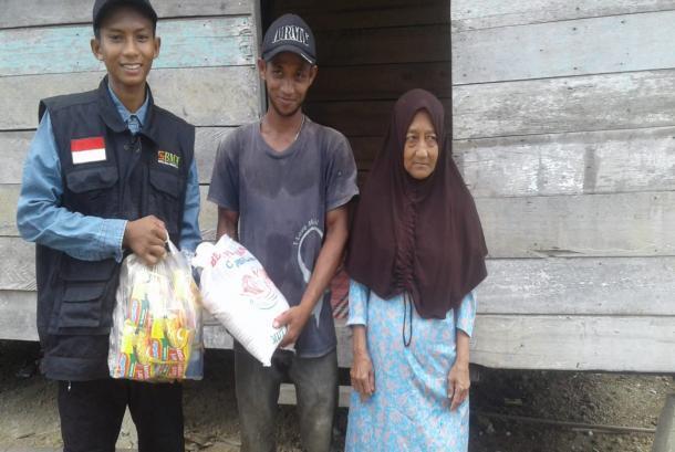 Paket Sembako BMH Kuatkan Mualaf Pulau Rupat, Riau