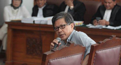Rocky Gerung Mau Kuliahi Lawyer Luhut di Sidang, Muannas: Ini Bukan ILC