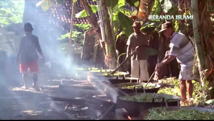 [COC_Regional_Serentak2020] Tradisi Malam Selawe Di Makam Sunan Giri