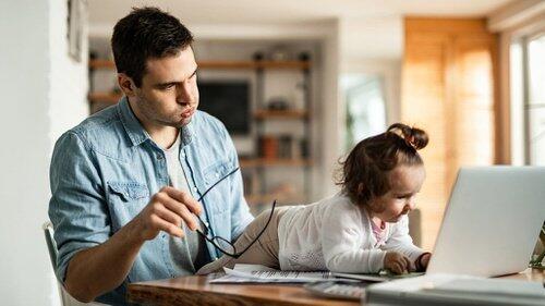 9 Hal Bikin Ngenes Saat Kerja dari Rumah