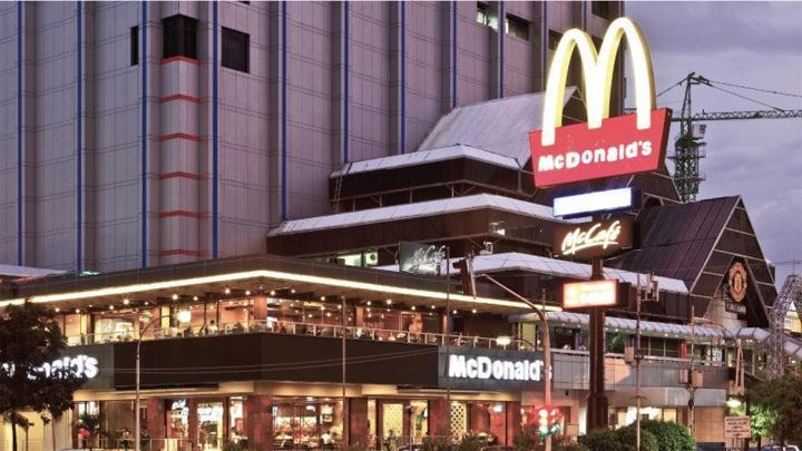Ngumpul di Penutupan McDonald's Sarinah Selagi PSBB Itu NORAK, Ente Pada Mau ke RS?