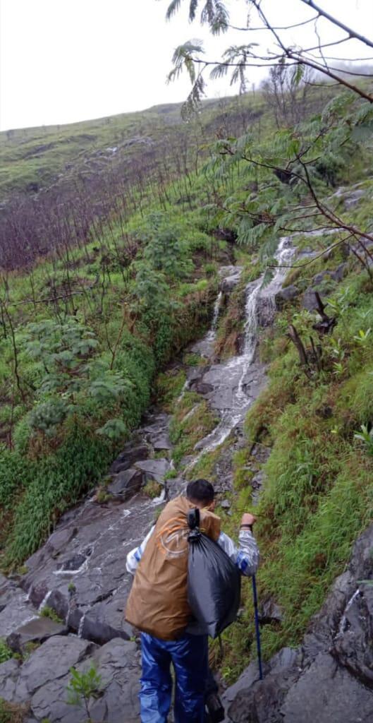 Trip Santai - Pelarian ke Puncak Gunung Sumbing (Hasil Photo yang tertunda)