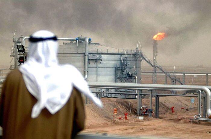 Harga Minyak Naik, Arab Saudi Janji Potong Produksi Lebih Besar