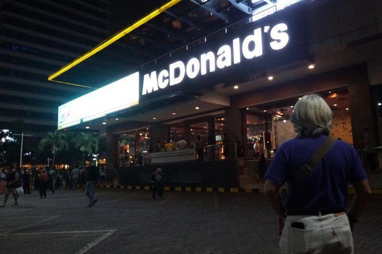 Malam Tadi, Warga Jakarta Ramaikan Seremoni Penutupan McDonald's Sarinah