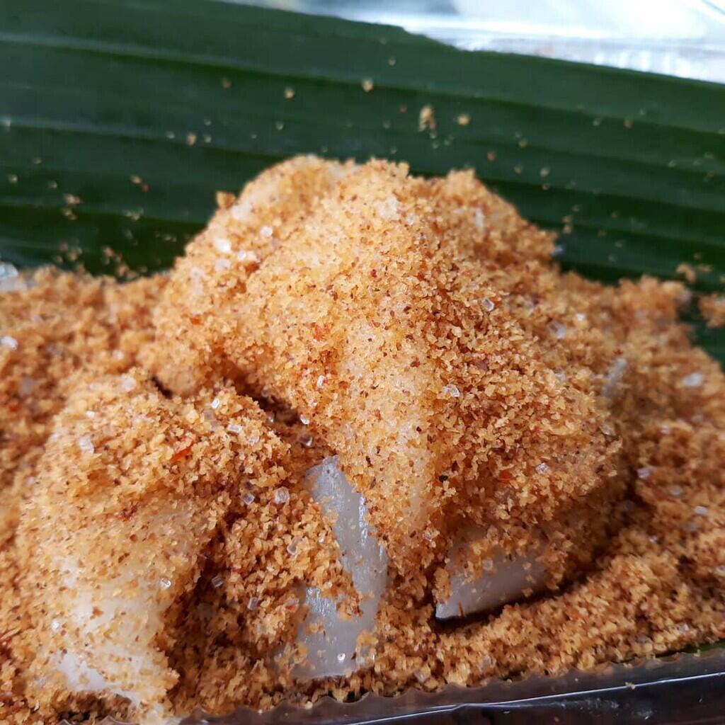 Alasan-Alasan Kenapa Ente Harus Nyobain Makan Ketan Bintul Khas Banten.