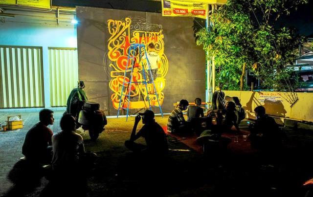 Antara Pasar Malam & Lapak Seni Dalam Tradisi Sabanan Pati