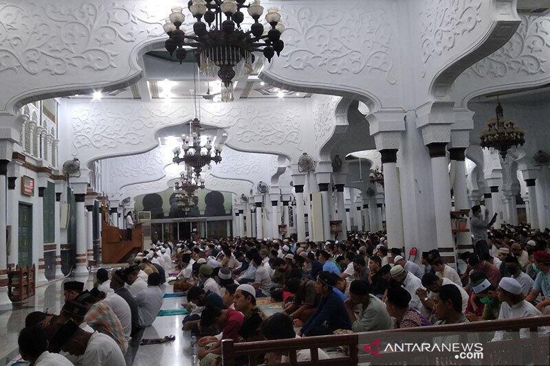 MUI Perbolehkan Sholat Jumat dan Tarawih Berjamaah di Ketapang. HOAKS / FAKTA?