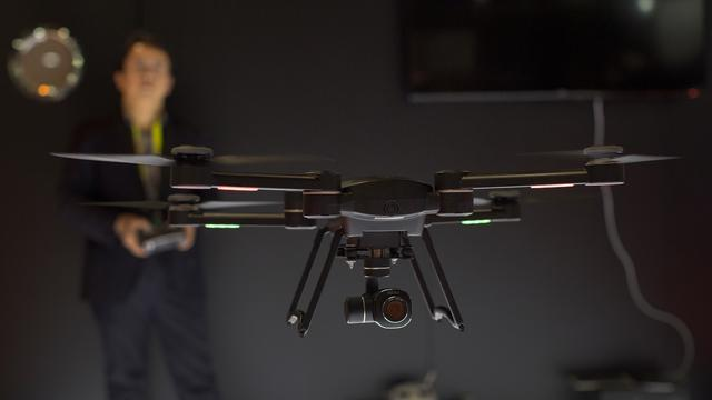 Bisa Dicoba Saat Pandemi Sekarang, Bangunkan Sahur Menggunakan Drone