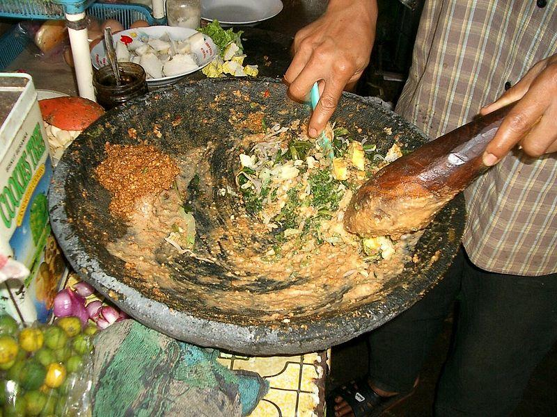 LOTEK, Salad Sayur yang Cocok Dihidangkan Ketika Buka Puasa