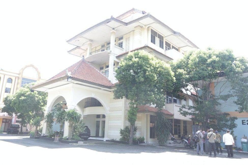 Tekan COVID-19, Pemkot Surabaya Rombak Sejumlah Rumah Sakit