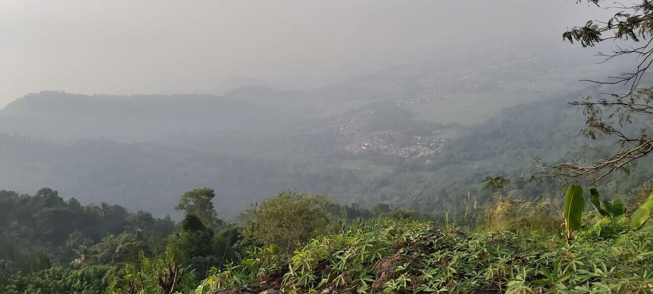 Ngabuburit di puncak bukit Bernama Batu Lawang Cilegon,Banten