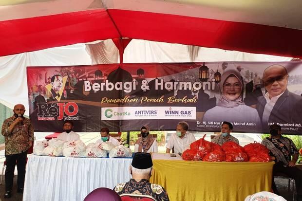 Peduli Dampak Covid, Relawan Jokowi Bersama Putri Wapres Bagikan Sembako