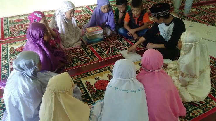 Kegiatan Ramadhan Masa Kecil Yang Bikin Kangen. No.3 Ngeri-Ngeri Syedap!