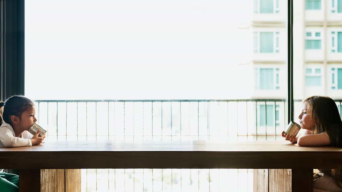Bagaimana Menghadapi Orang Terdekat yang Menolak Lakukan Social Distancing