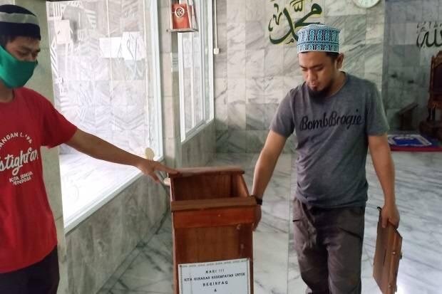 Modus Pura-pura Salat, Pencuri Kuras Isi Kotak Amal Masjid di Sukamaju