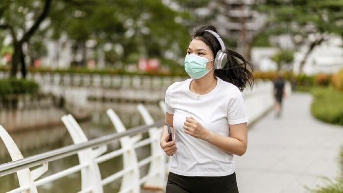 Paru-Paru Kolaps setelah Jogging menggunakan Masker