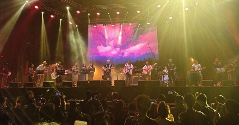 Ini Dia nih Konser Musik Iwan Fals Yang Memorable Abis gansis!!! MEMORABLE!!!!