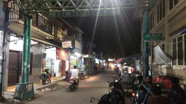 Pedagang Jengkel, Habib Umar Assegaf Suka Tutup Jalan saat Gelar Pengajian