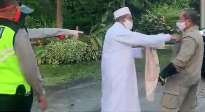 Sindir Habib Assegaf, Teddy: Jangan Lihat Jubahnya, di Tanah Abang Cuma Rp100 Ribu
