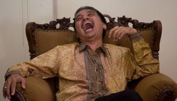 Jokowi Jadi Korban 'Prank' Buruh Asal Jambi, Roy Suryo: Ambyar Tenan Iki